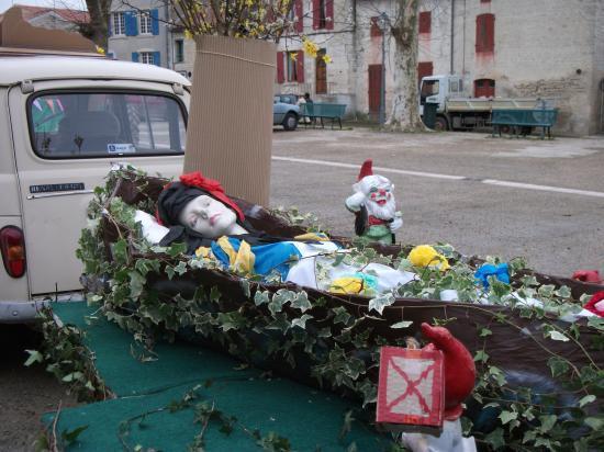 Carnaval 2011 - Le Char de Blanche Neige